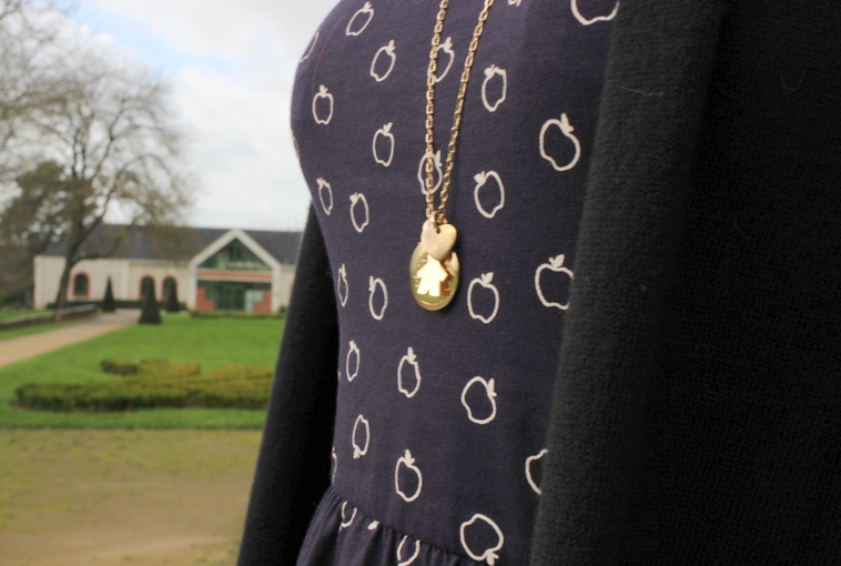 blog-mode-nantes-detail-robe-pomme-bizzbee