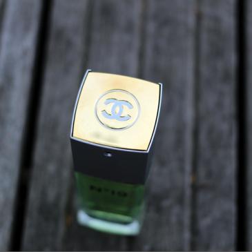 Le parfum Chanel N° 19 où la perfection fleurie boisée