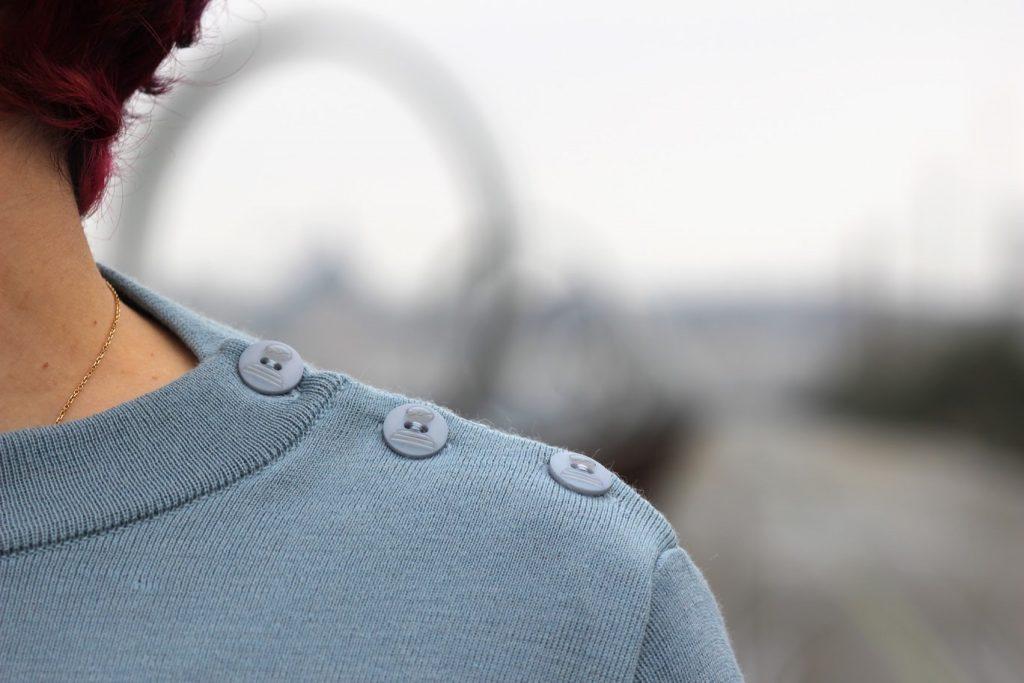 blog-mode-nantes-detail-boutons-pull-mousqueton