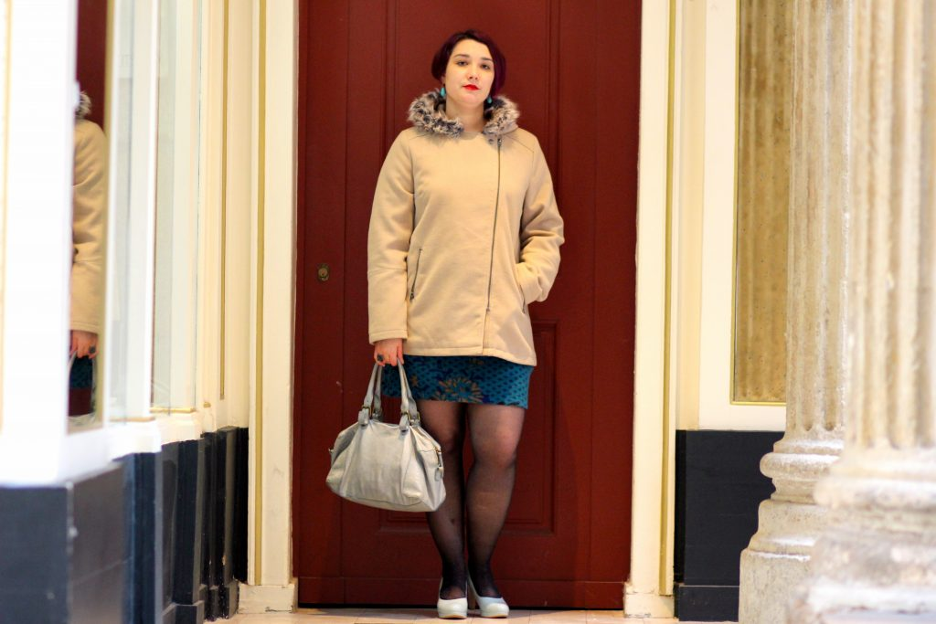 blog-mode-nantes-manteau-blanche-porte-beige