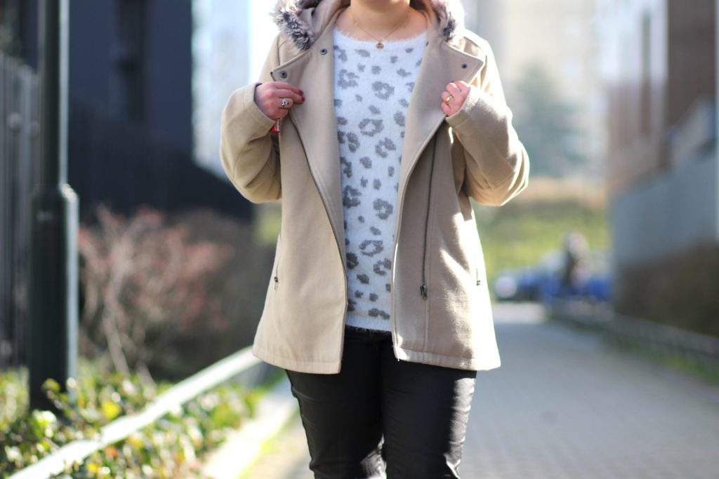 blog-mode-nantes-pull-doudou-leopard-blanche-porte