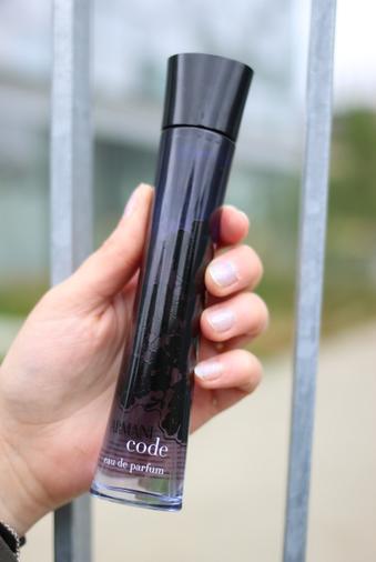 Armani code l'eau de parfum chez Origines Parfums