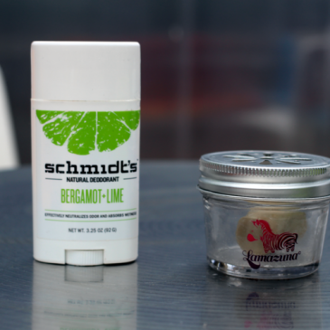 Match des déodorants bio – Schmidt's contre Lamazuna