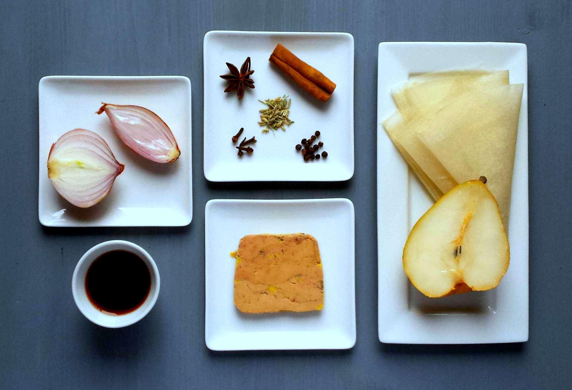 recette de bonbons de foie gras au chutney de poire. Black Bedroom Furniture Sets. Home Design Ideas