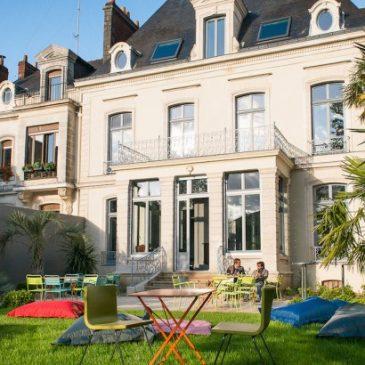 Violette Sauvage LE vide-dressing géant revient à Nantes