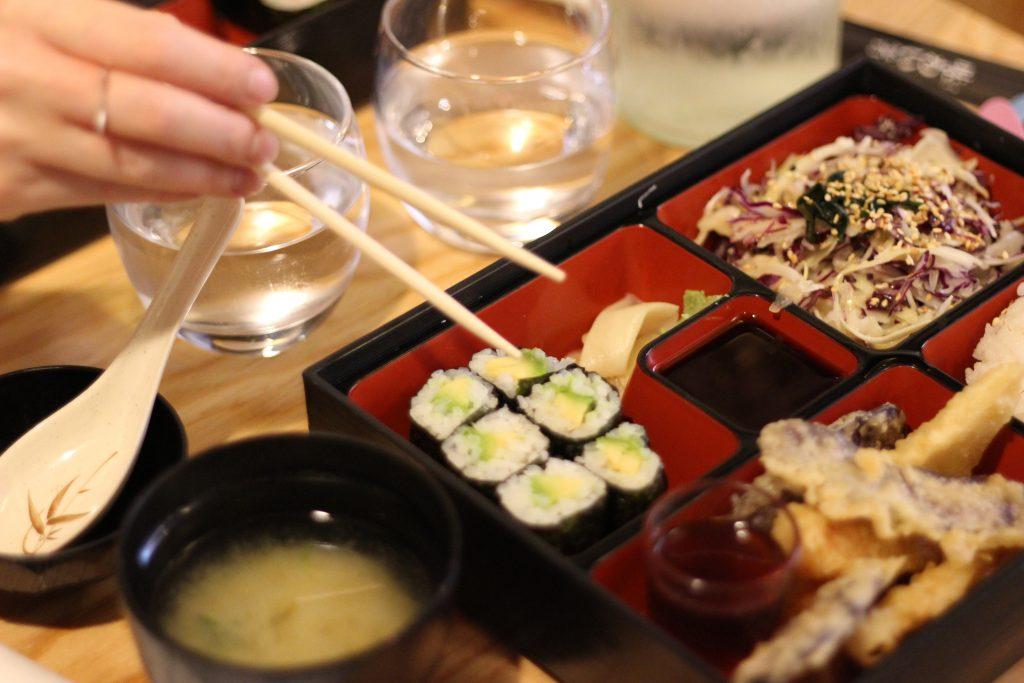Izakaya joyi restaurant japonais nantes girls n for Stage cuisine nantes