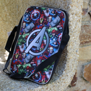 Le lot d'accessoires piscine Avengers chez Cadeaussimo