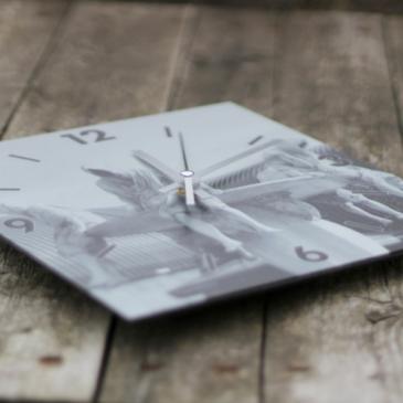 Idée cadeau : l'horloge Alu à personnaliser par myFujifilm