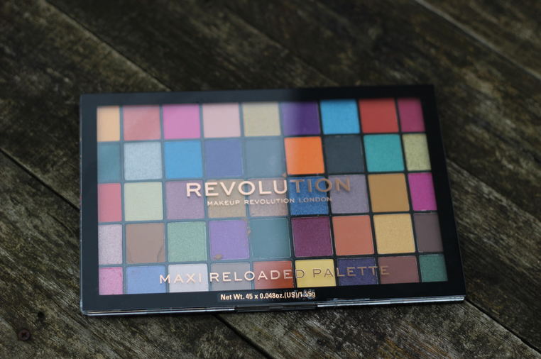 palette maxi reloaded make up revolution