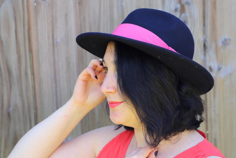 chapeau personnalisé sur mesure Fedora marine et rose