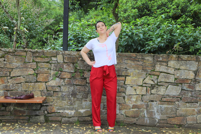look pantalon rouge