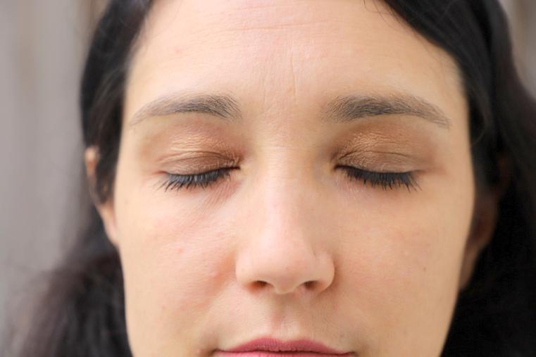 maquillage yeux fermés