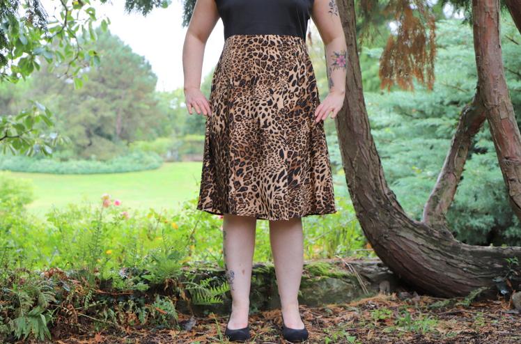bas robe imprimée léopard pin up