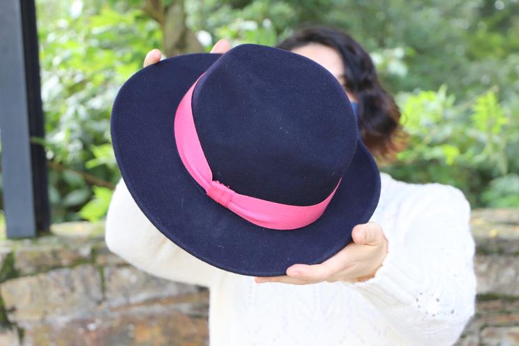 chapeau sur mesure marine et rose bon clic bon genre