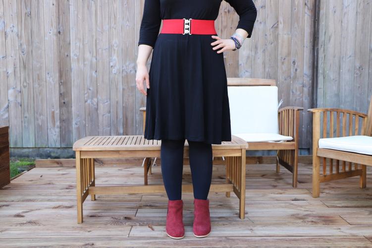 la petite robe noire ceinturée