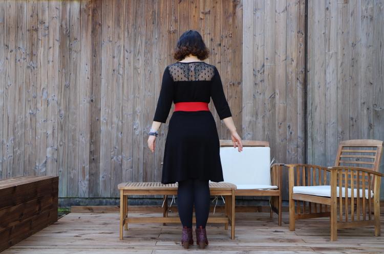 la petite robe noire de dos