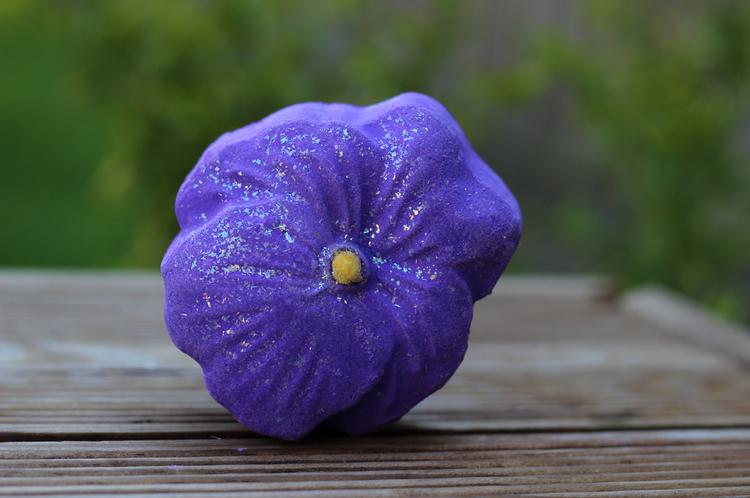 fête des mères violet cream