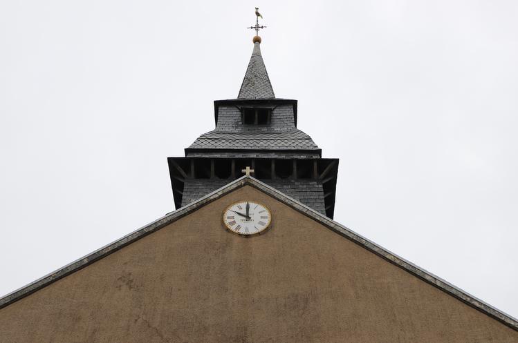 clocher chateau thbaud box un jour un village