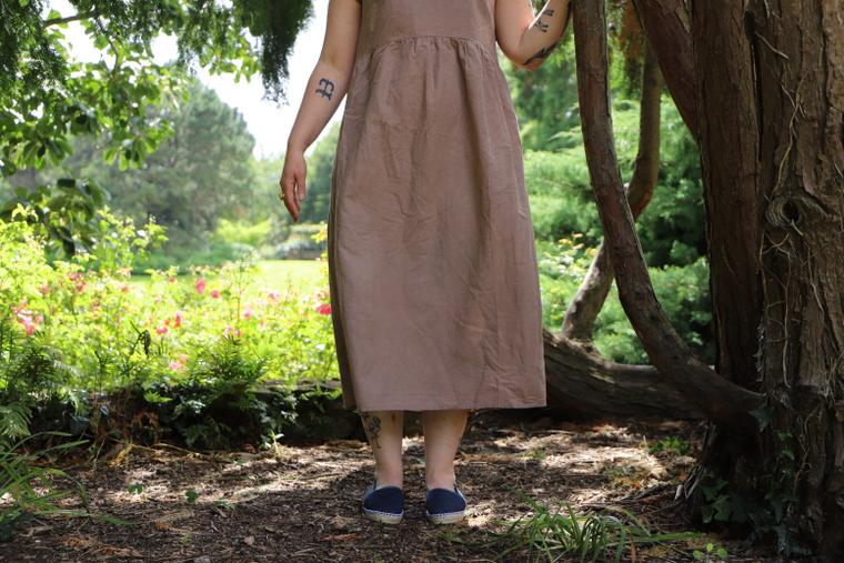 base évasée robe en lin naturel taupe