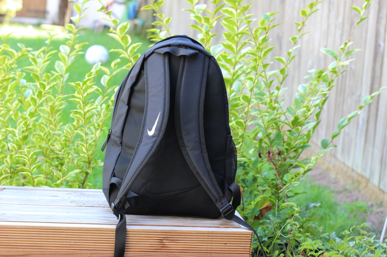 le sac à dos Nike Team